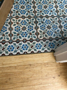 ONE Antique 1920s EDGING Tile Forget-Me-Not Deco French Encaustic 15cm Square