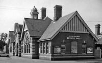 PHOTO  SUSSEX  BEXHILL WEST RAILWAY STATION EXTERIOR 1962