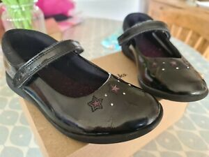 Clarks Girls School Shoes Size 1 H