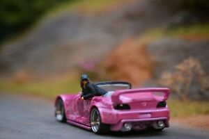 Miniature Figure Woman In car #1 1/87 or 1/64 Diecast RWB Hotwheel no preiser