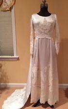 Vintage Bride Wedding Dress / Gown Train Column Style