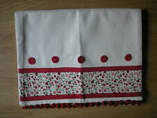NEXT RED GREEN DITSY EMILY FLORAL WITH POM POM TRIM TABLE RUNNER NEW