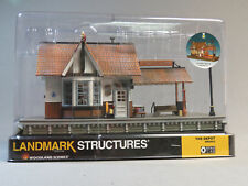 WOODLAND SCENICS O SCALE THE DEPOT BUILT & READY O GAUGE building train 5852 NEW
