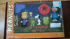 PEANUTS IT'S THE GREAT PUMPKIN CHARLIE BROWN FIGURINES IN BOX NEW