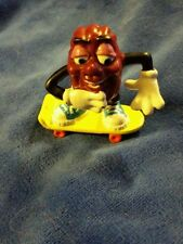 1987 calrab California Raisins Figure - skate board