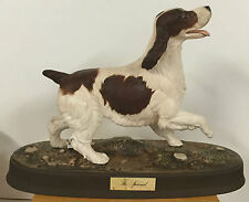 BESWICK THE SPANIEL BROWN & WHITE ON BASE MODEL  ***** EXCELLANT CONDITION *****