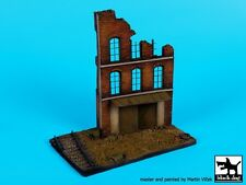 Black Dog 1:72 Ruined Factory Section w Railroad Track Diorama Base Resin D72028