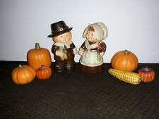 Vtg Hallmark Thanksgiving Pilgrim Boy & Girl Plastic Shakers + ceramic pumpkins