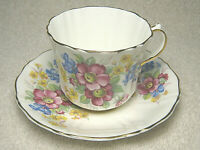 OLD ROYAL BONE CHINA TEA CUP & SAUCER FLORAL GOLD TRIMMED PATTERN - BEAUTIFUL