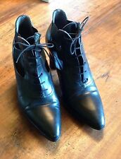 Ankle boots CESARE PACIOTTI  shootie front tie so fashion forward