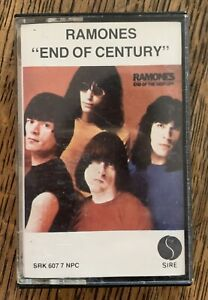"""THE RAMONES """"End of the Century"""" 1980 Sire Records Cassette Tape Tested VG"""