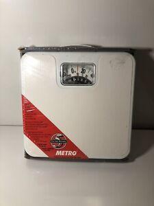 Vintage Metro 1980s USA 300 lb Square White Bathroom Scale BRAND NEW GREAT COND