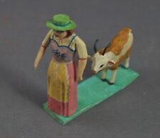 Grulicher Krippenfigur, Frau mit Ziege  - 7,5 cm - Holz geschnitzt   (# 11629)
