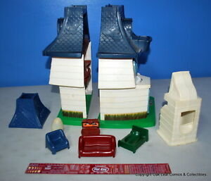 RARE 1976 Vintage Weebles Haunted House 1 ghost and Extras!