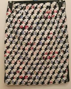 White House Black Market Houndstooth Look Woman's Skirt - fits AU size 8-10