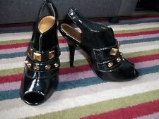 TOPSHOP .. FAB BLACK PATENT LEATHER OVER SIZE STUD FRONT PEEP TOE HEELS SZ 4