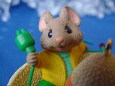 HALLMARK FELIZ NAVIDAD CHRISTMAS ORNAMENT Mouse lights his sombrero 1997 mice w