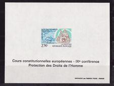 FG ND   cours constitutionnelles Européennes    1993   num: 2808