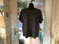 New Look Ladies T Shirt, Size 14, Beautiful Design, Immaculate Condition.