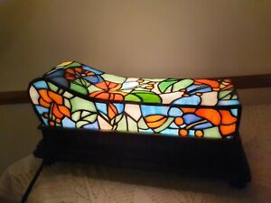 Beautiful Tiffany/ Art Nouveau Side Table Lamp/ Light Block