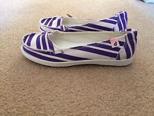 DROPE Womens Slip On Shoes Canvas Flats Purple White Stripes 38 7.5 NEW Scuffs