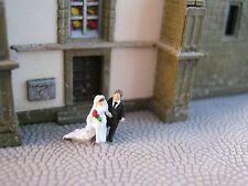 (EH04) Hochzeitspaar Braut Bräutigam Schleppe Figuren Spur Z (1:220 )