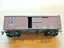 HO Roundhouse Boxcar Santa Fe Boxcar #8520