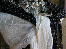 *** VINTAGE LOOK  **** NWT *** GORGEOUS  LACEY SCARF *****