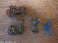4 mini soldatini vintage plastica poliziotto celere 2 moto carabiniere a cavallo