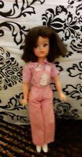 sindy doll bruenette trendy girl dressed