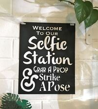 Photo Booth Selfie Station - Photo Booth Sign & 4 Photo Props