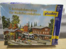 Plastoy H0 Bausatz 5 Gebäudebausätze für Modelleisenbahn ungebaut in OVP