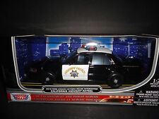 Motormax Ford Crown Victoria 2010 California Highway Patrol  1/24