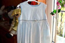 robe cyrillus bleu pale super etat 18 mois avec ruban milieu boutons au dos