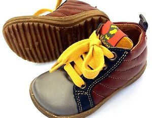 Naturino  Baby EURO 20 USA 5 all leather yellow lace up natural rubber sole