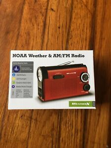GPX AM FM NOAA Weather Emergency Radio Flashlight Phone Charger Hand Crank Red