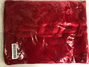 Supreme FW19 Polartec Scarf Red Spellout NWT Deadstock One Size