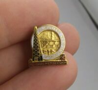 Vintage OIL WORKERS INTERNATIONAL UNION 10 yr pin button pinback screwback *EE93