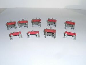 Hornby Dublo die cast buffer stops x 9. 2 styles. Good used condition. OO Scale