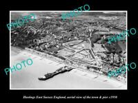 OLD LARGE HISTORIC PHOTO OF HASTINGS ENGLAND, VIEW OF THE TOWN & PIER c1950