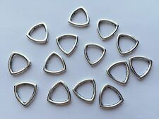 14 pieces - triangle frame bead with hole zinc alloy - 1.5cm x 0.2cm