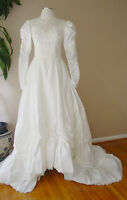 VINTAGE PEARL LACE LONG TRAIN LINED WHITE WEDDING DRESS GOWN FORMAL VEIL TIARA