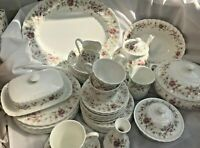 Wedgewood Posy Design Dinner/Tea Service Various - Excellent Condition