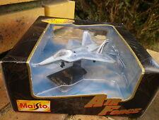 MAISTO AVIONS YF-22 Lightning II édition special Neuf en boite jamais ouverte