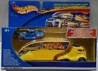 HOT WHEELS 2001 TRUCKSET PAVEMENT POUNDER TRUCK + CAR 89045