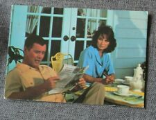Larry Hagman & Linda Gray - JR & Sue Ellen dans Dallas, carte postale