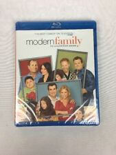 Modern Family ~ Complete First Season 1 One ~ BRAND NEW 3-DISC BLU-RAY SET