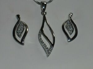 FRASER HART 9ct (375) white gold diamond pendant necklace and earrings set, vgc