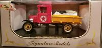 "NEW Diecast 1923 FORD MODEL TT ""Texaco"" Pickup Truck 1:32 Signature Models 32323"