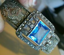 ART DECO J J WHITE RHODIUM PLATE FILIGREE HINGE BANGLE BRACELET BLUE GLASS STONE